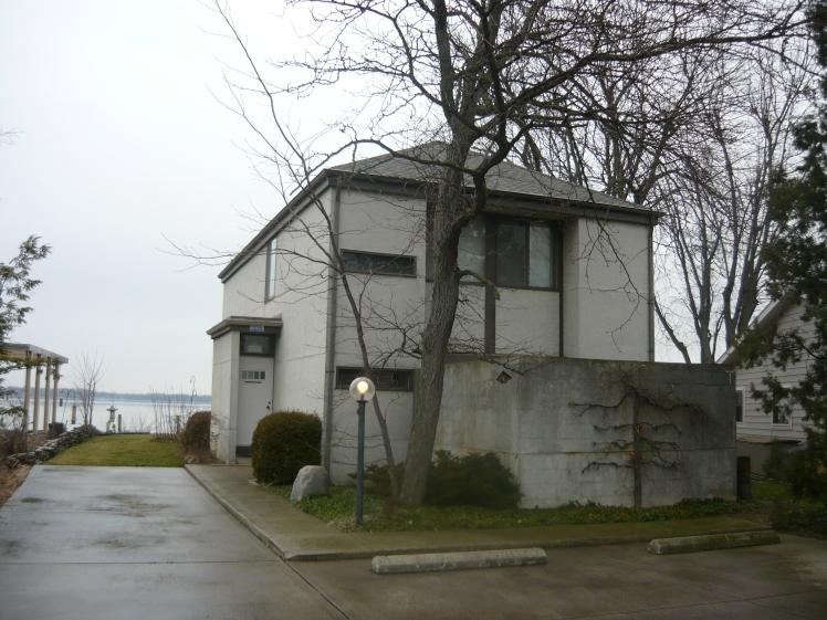 9189 Lake Avenue